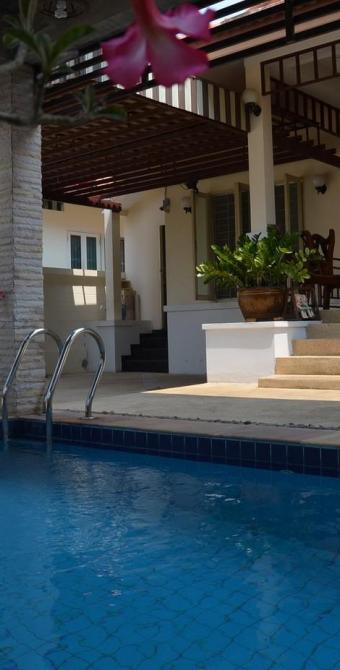 bungalow mit pool rosse immobilien. Black Bedroom Furniture Sets. Home Design Ideas